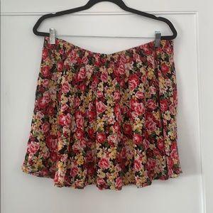 Forever 21+ Short Floral Skirt 🌺 2X